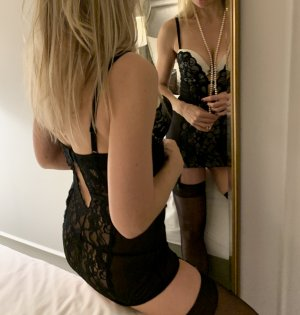 Sabrinelle nuru massage in North Port