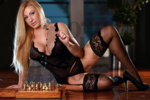 Beatrix tantra massage in Cayey