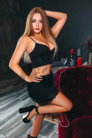 Juanita erotic massage in New London
