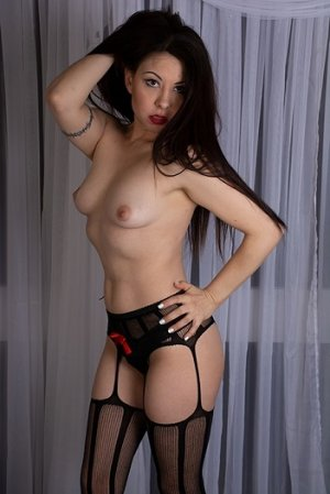 Armina erotic massage in Laredo