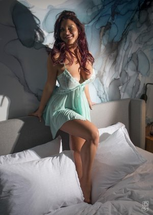 Gitane nuru massage
